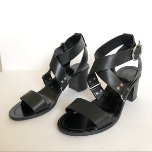 Banana Republic Black Low Block-Heel Sandals Sz 7